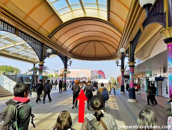 Walk to Tokyo Disneyland from Maihama Station Guide
