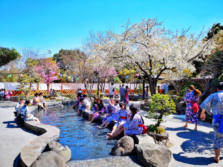 Open-air Foot Bath at Oedo Onsen Monogatari